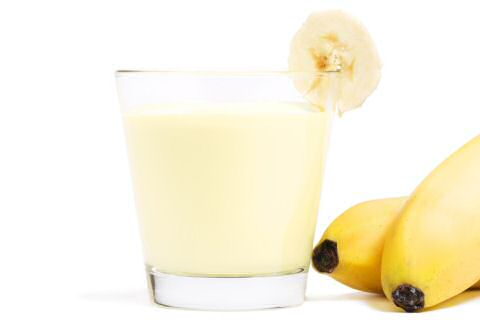 Een glas bananen smoothie