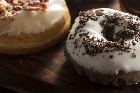 Glazuur op donuts